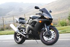2005 Yamaha R6, Yamaha R6s, A Gear, New Engine, Super Sport, Sport Bikes, First World, Cars Motorcycles, Raven