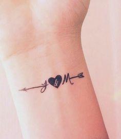Pin by piercings on piercings mickey tatuaje, mini tatuajes, Family Tattoos, Mom Tattoos, Trendy Tattoos, Small Tattoos, Tattoos For Women, Matching Tattoos For Family, Tatoos, Best Couple Tattoos, Husband Tattoo