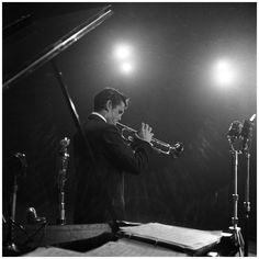 Chet Baker 1955 Photo by Hans Buter in concert Tirage prepress N B Amsterdam Photos, Chet Baker, Louis Armstrong, Blues Music, Jazz Blues, Music Images, Jaz Z, Jazz Musicians, Trending Topics