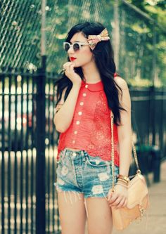 Flashes of Style in a our peter pan lace crop! #summer