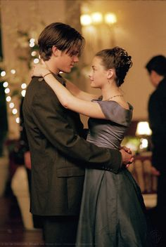 As Dean Forester and Rory Gilmore in Gilmore Girls, which he starred in from 30905863 Cabelo Rory Gilmore, Estilo Rory Gilmore, Gilmore Girls Dean, Gilmore Girls Fashion, Lorelai Gilmore, Gilmore Gilrs, Movies And Series, Alexis Bledel, Jared Padalecki