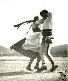 Folk costume from Jurgów, Poland. Goddess Art, Moon Goddess, Roman Mythology, Greek Mythology, Polish Folk Art, Principles Of Art, Folk Dance, Albrecht Durer, Orthodox Icons