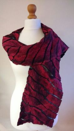 Tulip red scarf