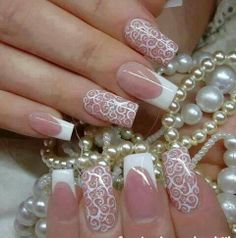 These can be cute wedding nails!!