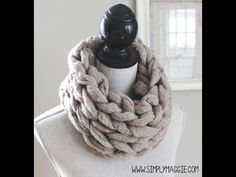 ▶ How to Arm Knit an Infinity Scarf in 15 Minutes - with Simply Maggie - YouTube