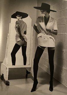 History Of Photography, Erotic Photography, Fashion Photography, Lingerie Photography, Helmut Newton Women, Helmet Newton, Newton Photo, White Books, Carolyn Murphy