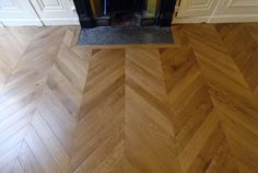 Aged patined finishing for this flooring Chevron Parquet Flooring, Wooden Flooring, Hardwood Floors, Floor Stain, Closet Bedroom, Sweet Home, Hobbit Hole, French Interiors, Restaurant