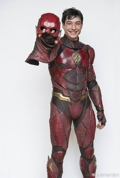 Ezra Miller as The Flash in Justice League Marvel Dc, Marvel Films, Dc Comics Characters, Flash Comics, Ezra Miller, Justice League, Hq Dc, Super Hero Costumes, Wild Kratts