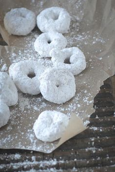 Gluten Free Vanilla and Powdered Sugar Donuts {Beard and Bonnet}