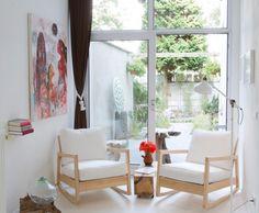 Uitrusten op de luie stoelen B&B Bedandbreakfast oh oh Den Haag Regentesselaan 292 Den Haag