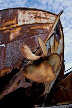 Rust   さび   Rouille   ржавчина   Ruggine   Herrumbre   Chip   Decay   Metal   Corrosion   Tarnish   Texture   Colors   Contrast   Patina   Decay   boat graveyard