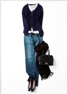 .casual jeans outfit with navy sweater