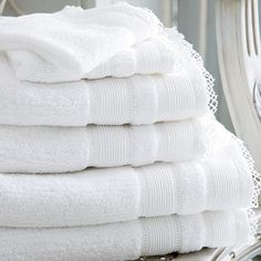 ❄ White Fluffy Towels - Cologne & Cotton