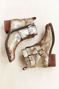 Gentle Souls Best Of Buckle Moto Suede Boot - Urban Outfitters Metallic boots Trend winter Urban Outfitters, Carrie Bradshaw, Crazy Shoes, Me Too Shoes, From Dusk Till Down, Mode Shoes, Suede Boots, Shiny Boots, Gold Boots