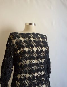 La moda española    Fashion Shawl Espanyol by modelknitting, $82.00