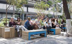Conheça os parklets, minipraças instaladas em vagas de carros - 21/09/2014 - sãopaulo - Folha de S.Paulo