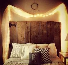 Love the diy headboard