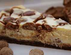 White Chocolate Cheesecake with 'Kruidnoten' and Salted Caramel Baking Recipes, Cake Recipes, Snack Recipes, Dessert Recipes, Snacks, Sweet Desserts, Sweet Recipes, Cheesecake Caramel, Chocolate Cheescake