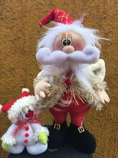 Fieltro Christmas Clay, Beaded Christmas Ornaments, Christmas Goodies, Christmas 2016, Xmas Crafts, Felt Crafts, Diy And Crafts, Santa Doll, Diy Weihnachten