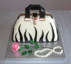 Purse cake and the rose