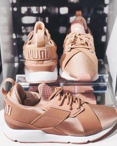 Puma Muse in tollem bronze Colorway! Einer der neuen Puma Sneaker 2018. Foto: https://www.instagram.com/dna_lillehammer/