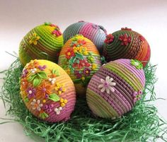 Eggs made with Polymer Clay from – pascuas ideas Easter Egg Crafts, Easter Eggs, Spring Crafts, Holiday Crafts, Easter Egg Designs, Diy Ostern, Easter Crochet, Egg Art, Polymer Clay Crafts