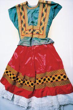 Os registros do guarda-roupa de Frida Kahlo