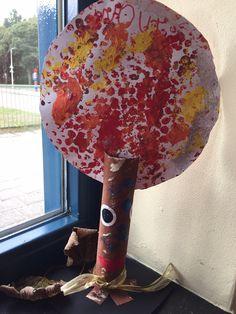 De Toverboom, stempelen met bubbeltjesplastic. Juf Ria 2015