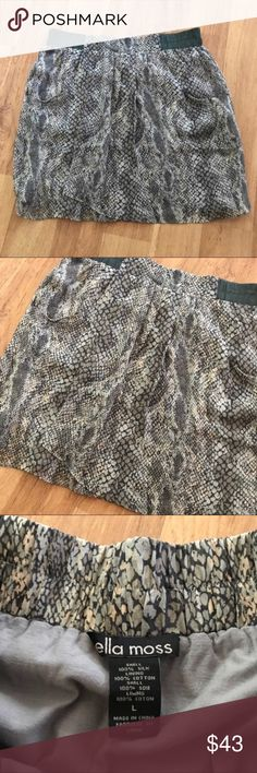 Ella Moss Cute Snakskin Print Skirt Size Large Has pockets in front! ⚜️I love receiving offers through the offer button!⚜️ Good condition, as seen in pictures! Fast same or next day shipping!📨 Open to offers but I don't negotiate in the comments so please use the offer button😊 Check out the rest of my closet for more Adidas, Lululemon, Tory Burch, Urban Outfitters, Free People, Anthropologie, Victoria's Secret, Sam Edelman, Topshop, Asos, Revolve, Brandy Melville, Zara, and American…