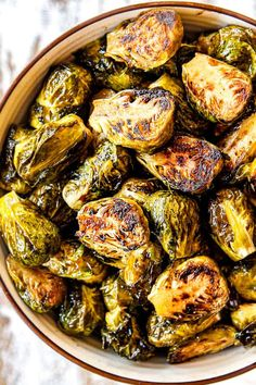 up close top view of Brussels Sprouts in oven Balsamic Brussel Sprouts, Roasted Sprouts, Brussels Sprouts, Sprout Recipes, Vegetable Recipes, Vegetarian Recipes, Cooking Recipes, Veggie Meals, Healthy Meal Prep