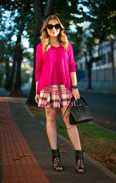 Adorei essa saia num xadrez em tons de rosa! Fugiu do estereótipo de festa junina. E a blusa pink soltinha combinou bem.