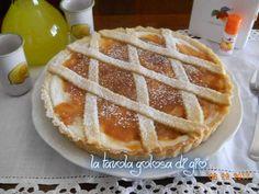 Crostata di marmellata e ricotta,un dolce preparato in frolla senza burro, ideale per gli intolleranti. Facile e veloce da preparare.