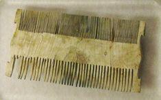 Ivory comb from Pompeii AD) - Antiquarium of Boscoreale / Naples Pompeii Ruins, Pompeii Italy, Pompeii And Herculaneum, Ancient Ruins, Ancient Rome, Ancient Art, Ancient History, Beautiful Ruins, Roman History