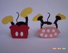 ****Forminha para docinhos personalizada Minie e Mickey****    - Feita em papel scrap usando a técnica print & cut. Não tem impressão! Ficam lindos!
