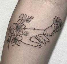 Mutterschaft Tattoos, Mommy Tattoos, Dope Tattoos, Body Art Tattoos, Tatoos, Frame Tattoos, Parent Tattoos, Sister Tattoos, Skull Tattoos