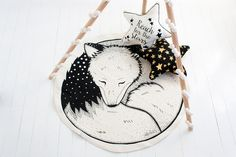 Stunning sleepy fox play mat hand printed from an original hand drawn design from Alphabets & Animals – collaboration at its best. Screen printed onto a durable and soft hemp/organic cotton using eco friendly, non toxic safe ink. Made to Order with a 4-8 week wait as each is hand printed to order. Playmat measures …