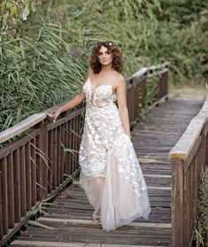 Dimitra looking like a goddess in her Costantino wedding gown 🌾 One Shoulder Wedding Dress, Wedding Gowns, Brides, Pretty, Instagram, Fashion, Homecoming Dresses Straps, Moda, Bridal Gowns
