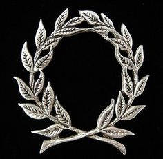 Heraldic Jewelry Laurel Wreath Brooch in Fine Pewter made in USA 0626