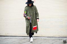 Le / Before Kanye West x Adidas Originals New York Street Style, Street Style Blog, Street Styles, Punk Fashion, City Fashion, Street Fashion, Men Street, Autumn Winter Fashion, Fall Fashion