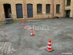 Lübecker Hütchen auf einem Schotterparkplatz in der alten Heyne Fabrik in Offenbach am Main