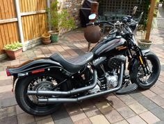 Crossbones exhaust pics...lets see what you have!! - Page 32 - Harley Davidson Forums