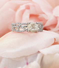 rough diamond Wedding ring