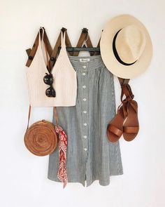 Love this summer outfit | summer travel ☀️ Stylish outfit ideas for women who follow fashion from Zefinka.