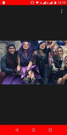 Carlos Descendants, Disney Channel Descendants, Descendants Cast, Cameron Boyce, Disney Xd, Disney And Dreamworks, Kenny Ortega, Dove Cameron, Disney Villains