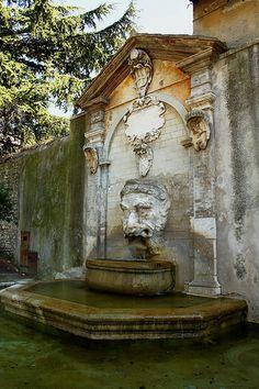 Fontana del Mascherone Spoleto Umbria    #TuscanyAgriturismoGiratola