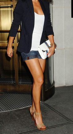 Denim shorts worn in a more classic way - love