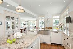 cocinas elegantes blancas con molduras - Buscar con Google