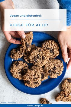 Tipps und 2 Rezepte, damit die Weihnachtskekse (fast) allen schmecken. Hier entlang! Cereal, Recipies, Cookies, Baking, Eat, Breakfast, Food, Vegan Biscuits, Vegane Rezepte