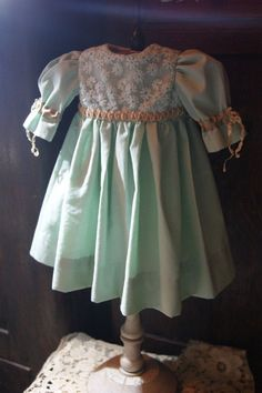 Beautiful dress for France or German antique doll 22-23