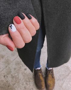What manicure for what kind of nails? - My Nails Shellac Nail Colors, Shellac Manicure, Manicure And Pedicure, Gorgeous Nails, Pretty Nails, Super Nails, Nagel Gel, Red Nails, Red Black Nails